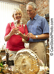 中間, 夫婦, 老年, 購物, 古董
