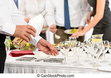 事務, 發球, 自助餐, 開胃菜, 午餐, 承包餐食者, 酒