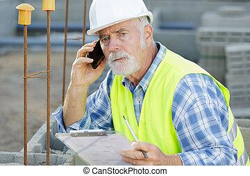 使用, 年長者, smartphone, 人, 工作, 工程師