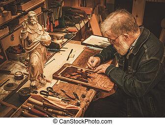 古董, 舞台裝飾, 他的, 工作, 修補者, 元素, 車間, 年長者