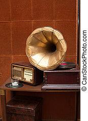 古董, 黃金, 留聲機, 收音机, 角