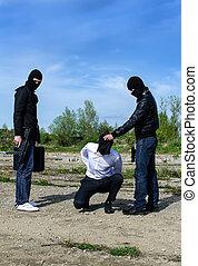 嘗試, 殺死, 搶劫的歹徒, 戴面具, 商人, 二