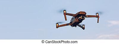 在頂上, 空鉛, uav, sky., copter, 多雲, 雄峰, 數字, 照像機。, 飛行結束, 藍色, field., 風景。