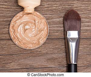 基礎, 液体, 管子, makeup刷子, 被擠壓, 在外