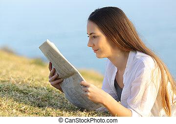 報紙, 女孩, 草, 閱讀