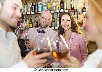 夫婦, 酒吧, 喝酒