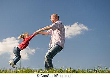 女儿, 父親