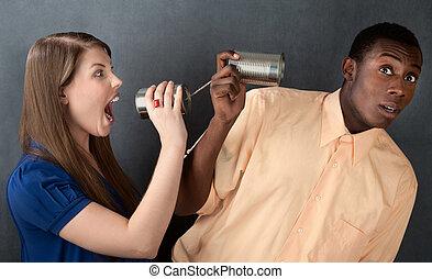 婦女, 叫喊, 排成一列, 透過, 罐頭, 人