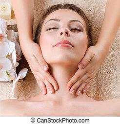 婦女, 年輕, 面部, 得到按摩, 礦泉, massage.