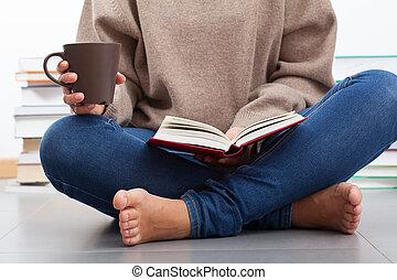 婦女, 書, 閱讀