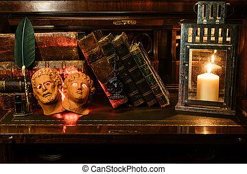 它, they're, leather., 堆積, 木制, 書, 面罩, 二, 羅馬, incorporates, 書桌, watch., 古董, 鋼筆, 上帝, 墨水池, 口袋