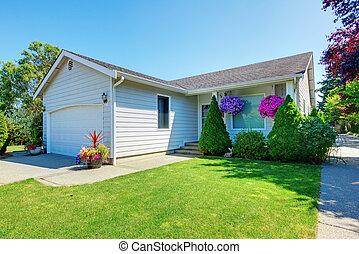 小的房子, 白色, flowers.