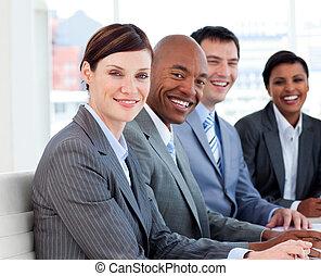 差异, 事務, 顯示, 組, 种族, 會議