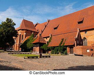 庭院, malbork, 主要