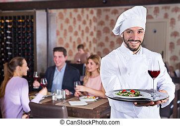 廚師, 餐館, 站立, 為托盤供應