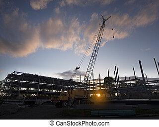 建設, 黑色半面畫像, 站點