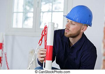 建造者, 工作, 人