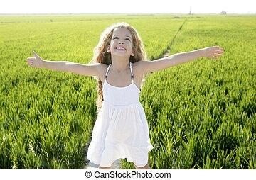 很少, 草地, 武器, 領域, 綠色, 女孩, 打開, 愉快