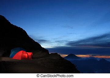 戶外的冒險, 露營