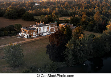 房子, ii, 等級, 看法, 空中, 大廈, 格魯吉亞人, 位於, waverley, 修道院, farnham