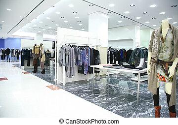 時裝用品商店, 衣服