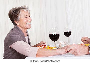 晚餐, 享用, 夫婦, 年長者, 一起