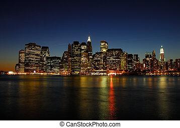 曼哈頓地平線, 夜晚