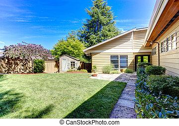 棚子, 房子, 樹, 美國人, 綠色, 後院, exterior.