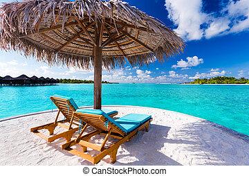 椅子, 熱帶的海灘, 傘, 二