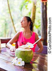 椰子, 婦女, 酒吧, 赤素馨花, 飲料, 熱帶, 前面, 新鮮, 懷特花