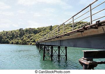 橋梁, 金屬