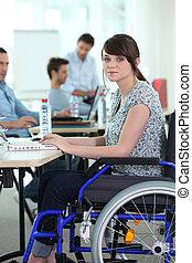 殘疾的女人, 工作, 年輕