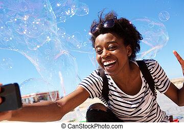 氣泡, 在戶外, 大, 婦女談話, 美國人, african, selfie, 肥皂, 年輕
