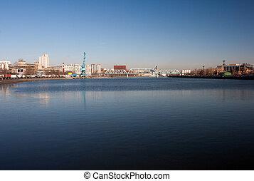 河風景, 城市
