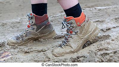 泥, 鞋子