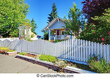 漂亮, 老, fence., 房子, 灰色, 後面, 白色