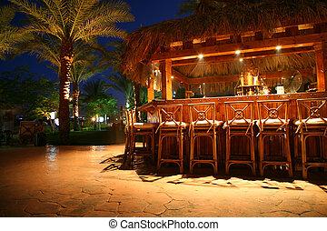 熱帶的酒吧
