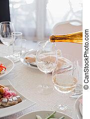 玻璃, 侍者, 倒, 餐館, 酒