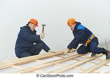 用板覆蓋, 屋頂, 工人, 錘子, 屋頂