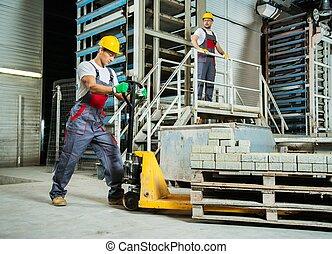 石頭, 工人, 年輕, 工廠, 扁平工具, 移動, 鋪, 卡車