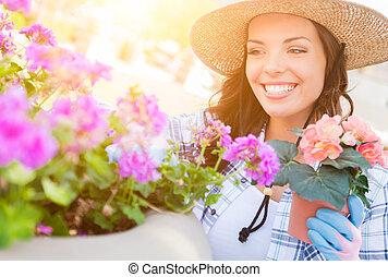 穿, 婦女, 園藝, 年輕, 手套, 成人, 在戶外, 帽子
