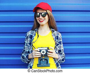 穿, 藍色, 時裝, 相當, 鮮艷, 在上方, 照像機, retro, 背景, 微笑的 女孩, 衣服