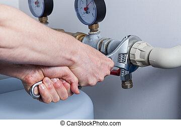 管子, 在期間, 人, 修理, 手