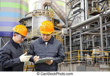 精煉厂, 油, 工程師