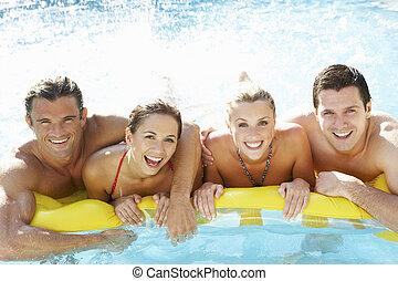 組, 年輕, 樂趣, 朋友, 有, 池