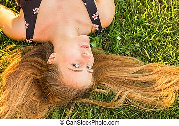 肖像, 婦女, 草, 年輕, 躺