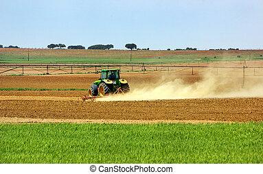 葡萄牙語, field., 拖拉机