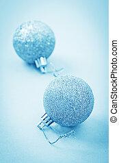 藍色的燈, 球, 二, 聖誕節