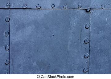 藍色的盤子, 金屬