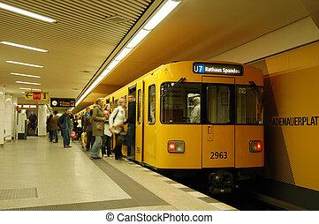 車站, 地下鐵道